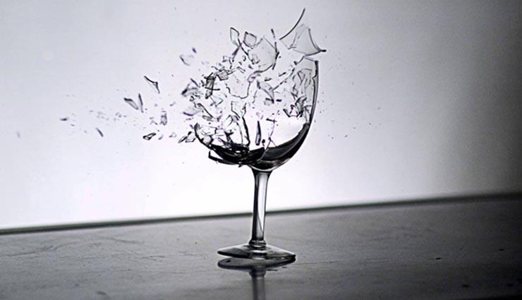 breaking of glass according to vastu